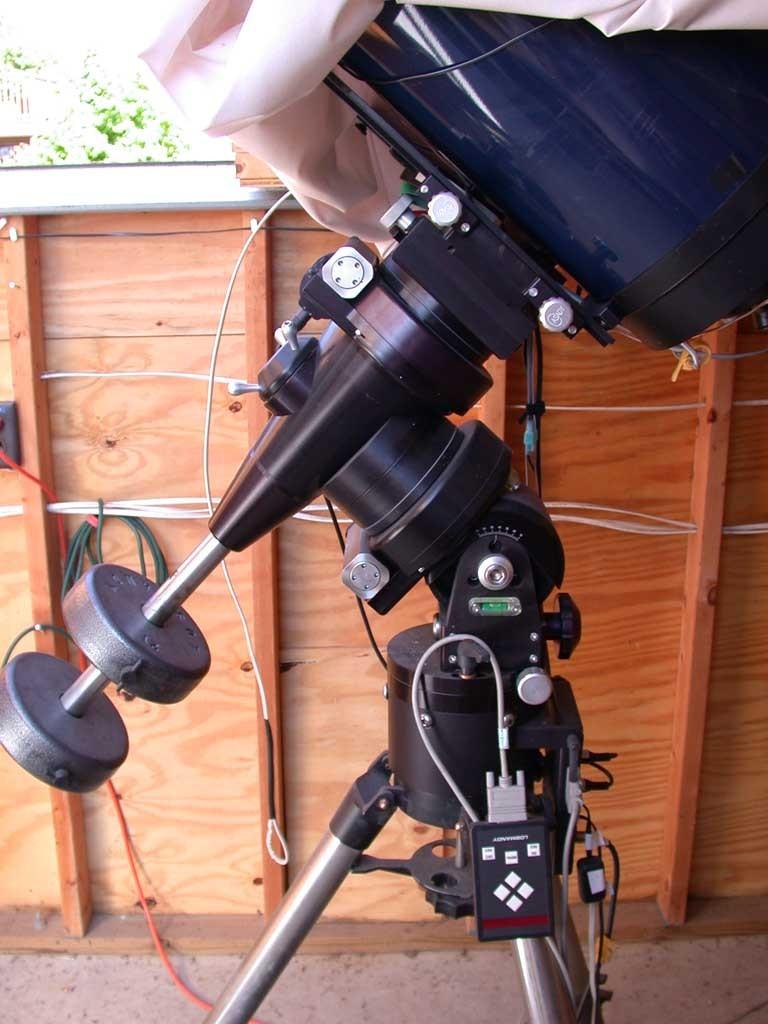 Titan50 W  Mal Adapter  No Tripod  As Is